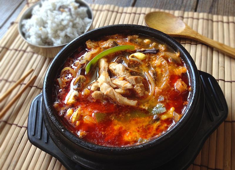 タッケジャン(鶏肉ユッケジャン)レシピ