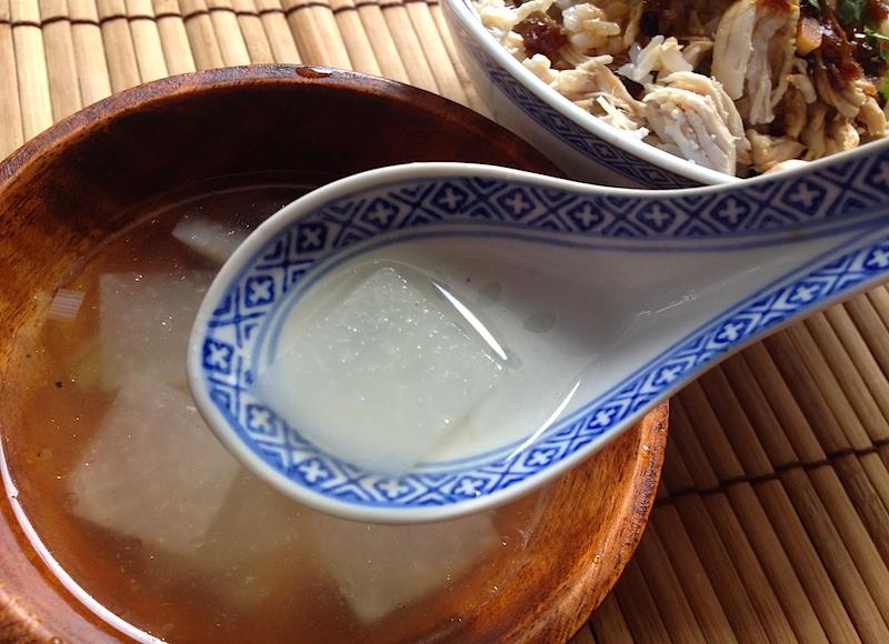 ゆで汁でチキンスープ