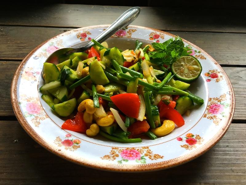 【タイ風サラダレシピ】タイ北部で食べたサラダを再現してみました