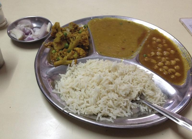 インドの野菜カレー定食