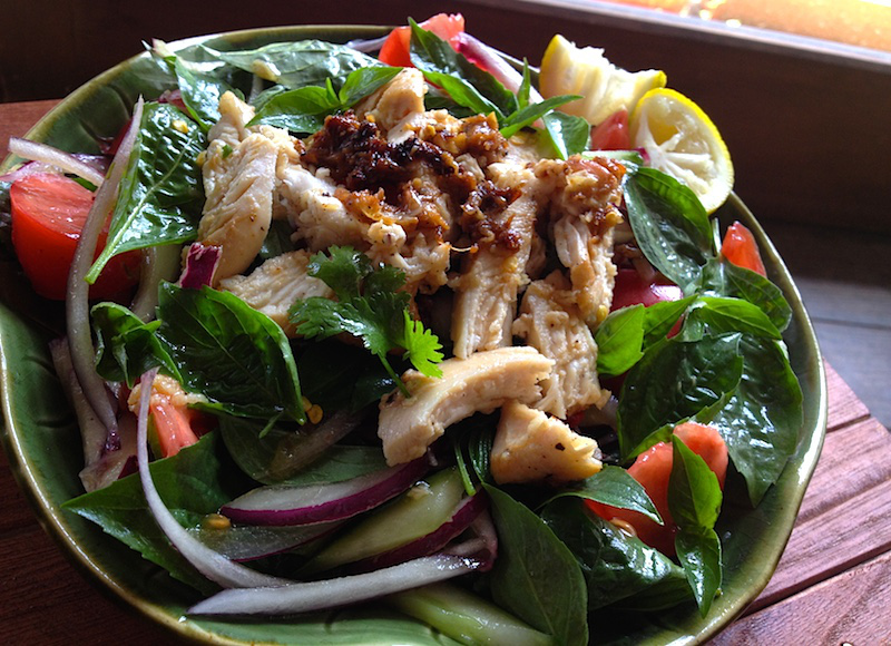 【タイ料理】ヤムガイ(タイバジルと鶏肉のサラダ)レシピ