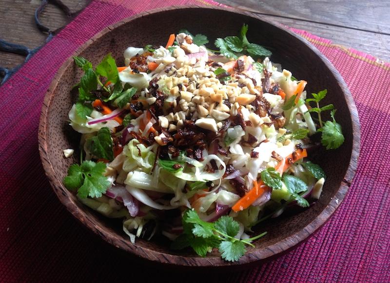 ベトナム風チキンとミントのサラダ