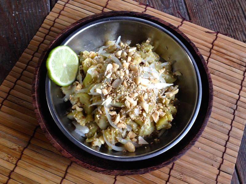 ミャンマー風焼きナスサラダ