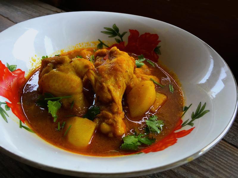 鶏肉とじゃがいものミャンマーカレー【チェッターアルヒン】レシピ