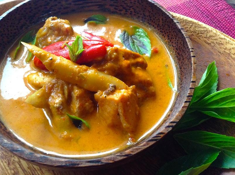 【タイカレー】鶏肉とタケノコのレッドカレーレシピ