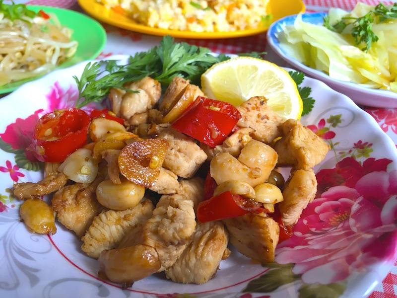 鶏肉とピーナッツ炒め
