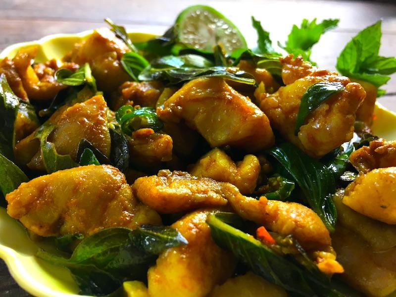 タイカレーペーストの鶏肉炒め