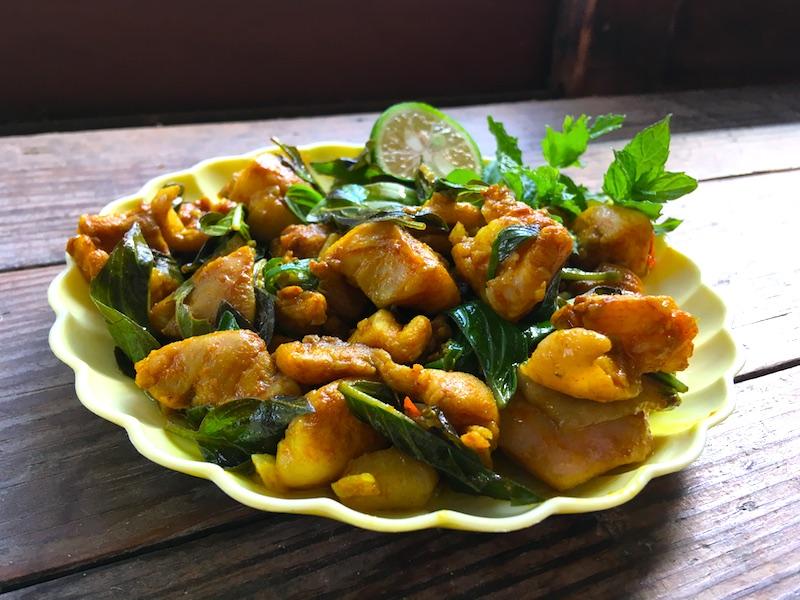 タイカレーペーストの鶏肉炒めレシピ