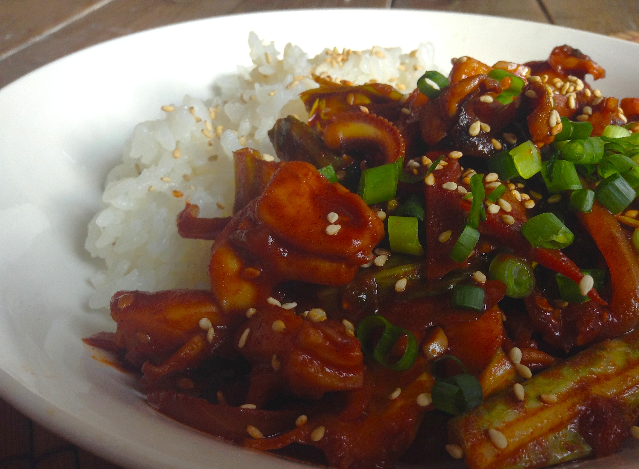 韓国風イカ炒め丼