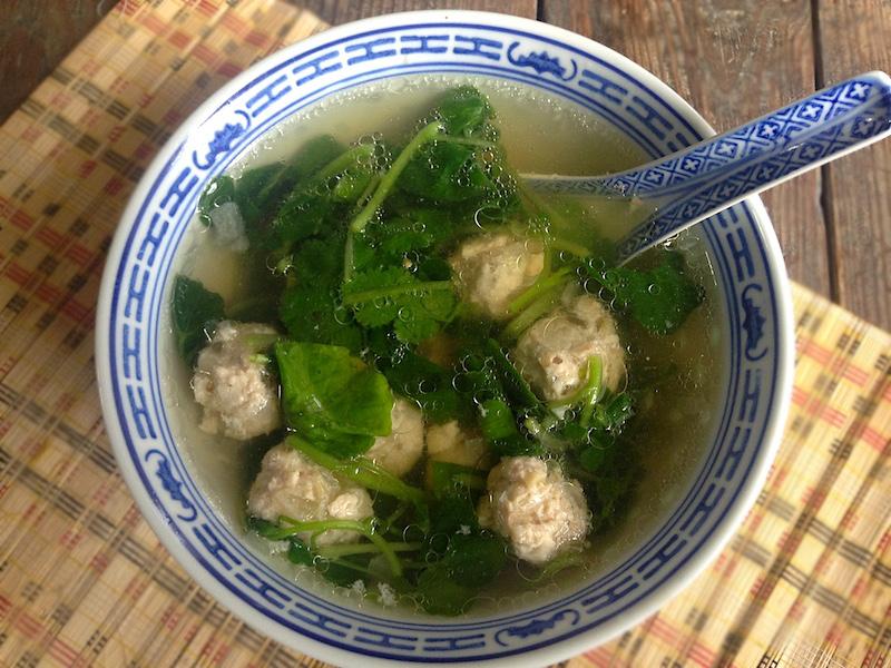 クレソンと鶏肉団子のベトナム風スープ