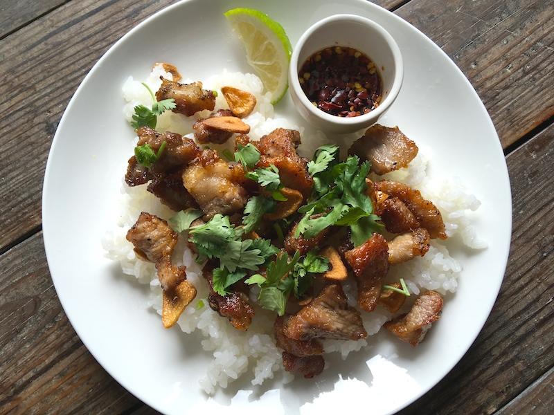 【タイ料理】ムートートガティアム(豚肉&ニンニク揚げ)レシピ