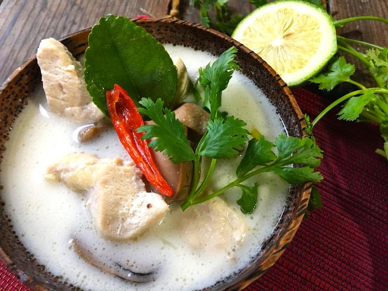 タイの酸っぱいスープ【トムカーガイ】レシピ