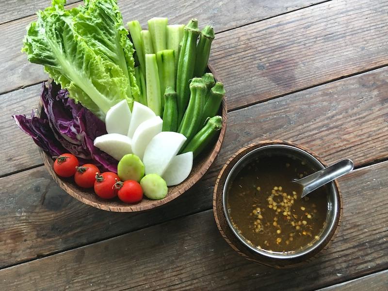 ミャンマーの野菜ディップペースト
