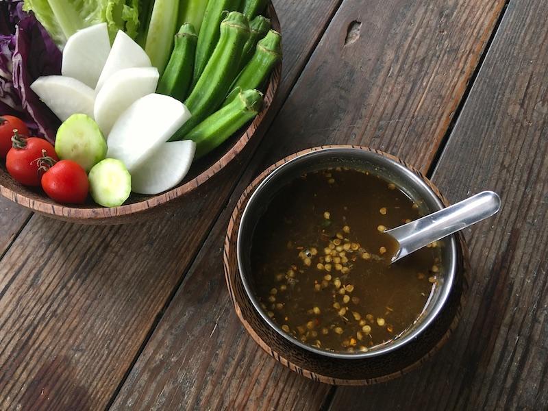 ミャンマーの怪しい魚ペーストで生野菜のディップソースを作ってみた