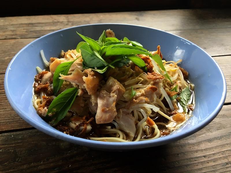 タイの汁麺