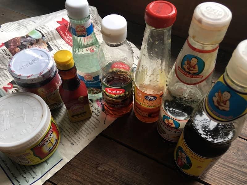 タイ料理に使う調味料と食材(薬味・ハーブ類)リスト