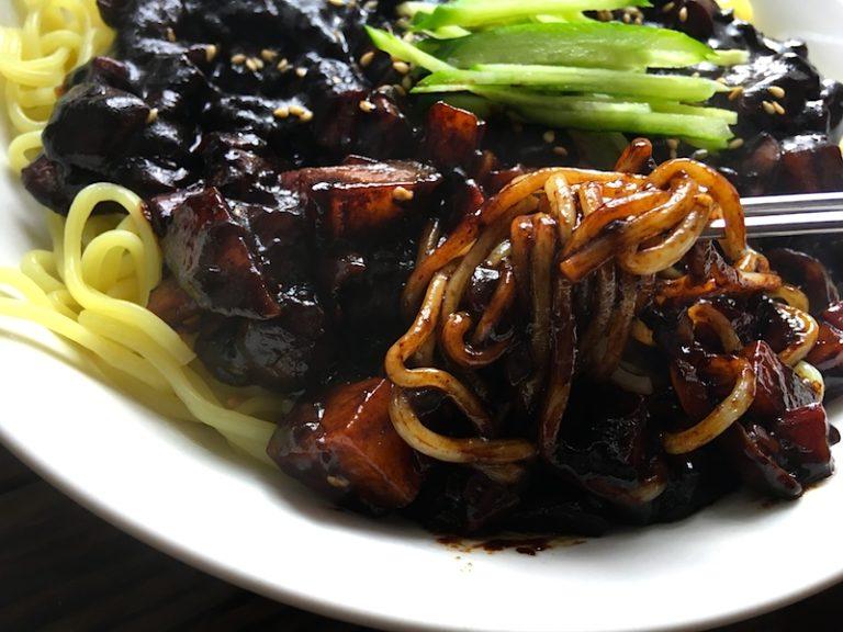 菜食チャジャンミョンのレシピ(韓国風ジャージャー麺)