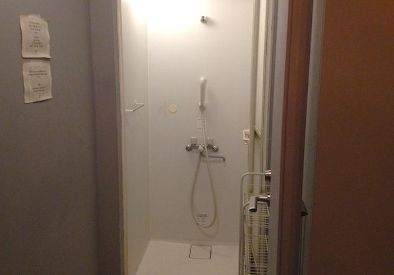 ブック&ベッド東京shower