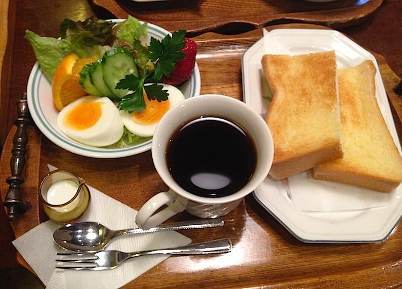 三原の喫茶店イソップのモーニング