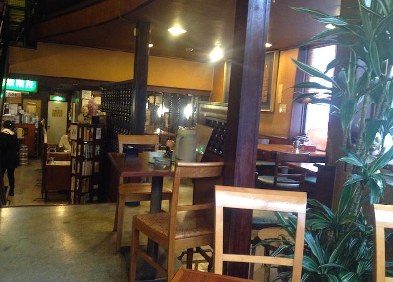 広島の喫茶店シャモニーモンブラン店内