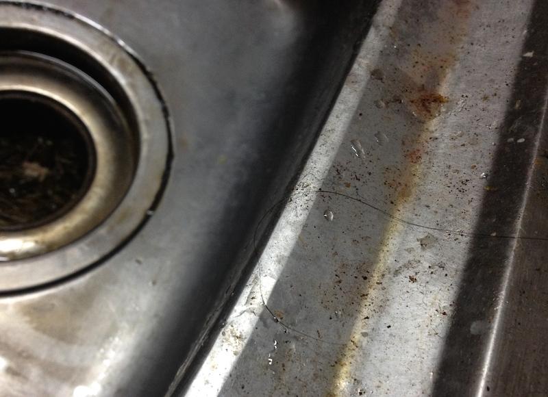 シンクの掃除ビフォー