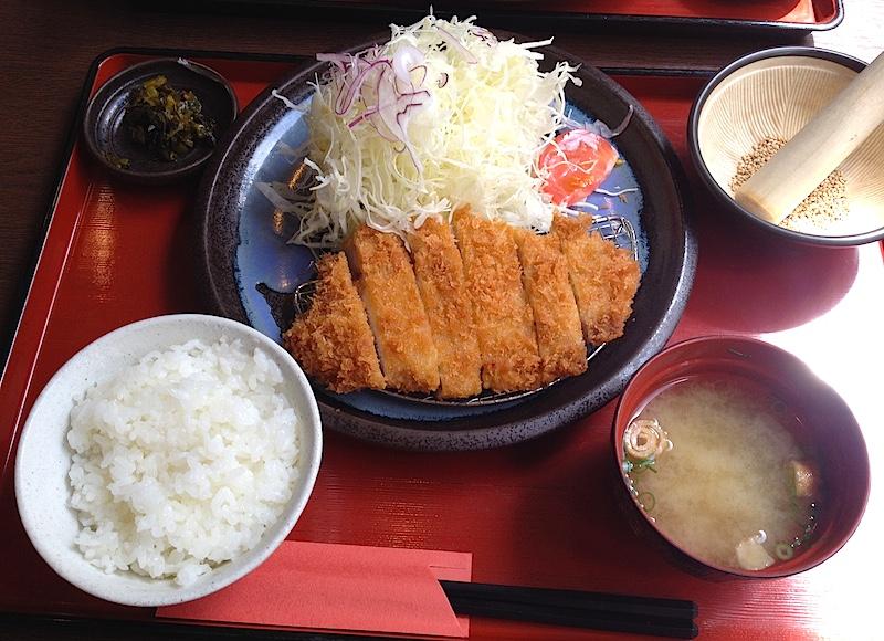 三元豚のロースカツ定食