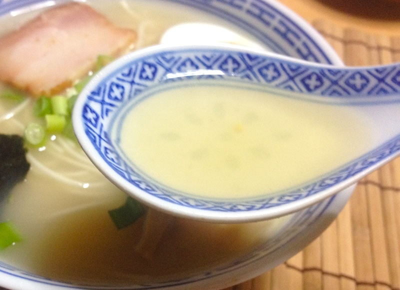 福島ラーメンのスープ