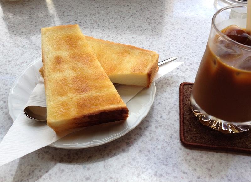 十日市茶房サービスのトースト