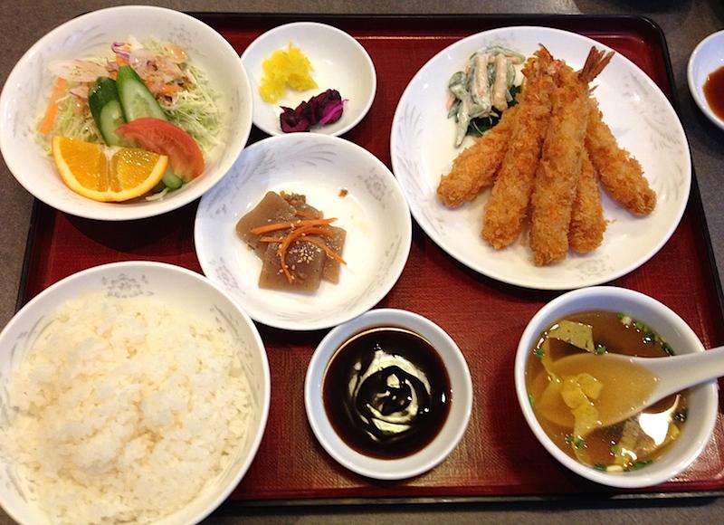 上海軒のエビフライ定食